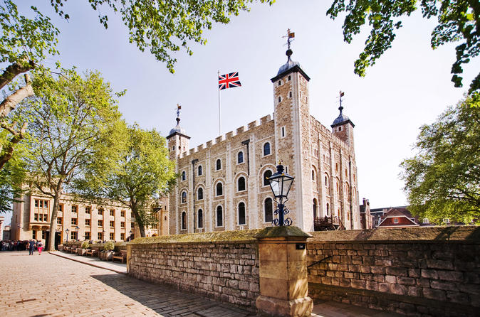 London Full-Day Sightseeing Tour including Tower of London and Thames River Cruise