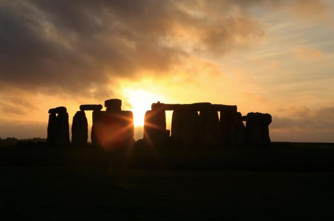 Tour di Stonehenge del solstizio d'estate da Londra: vista del tramonto o dell'alba