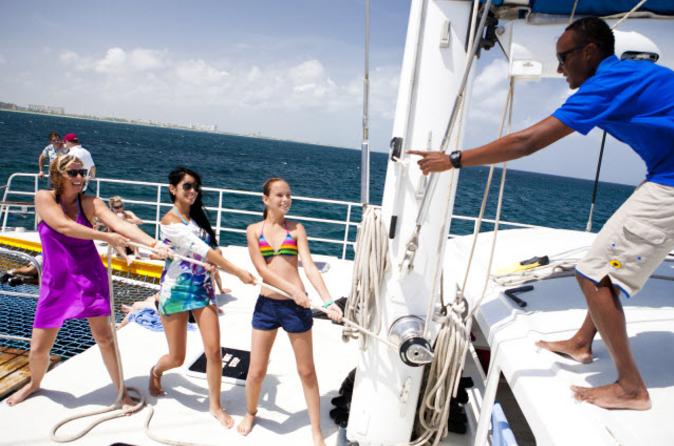 Cruzeiro de Happy Hour e Mergulho com Snorkel em Aruba com Snuba opcional