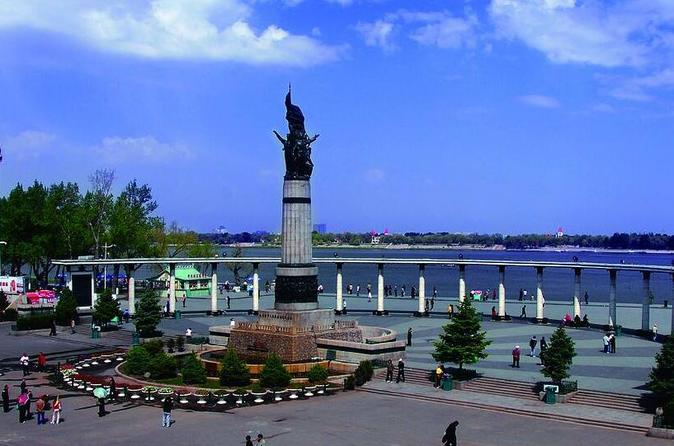 Private Summer&Fall Day Tour Combo Package of Harbin Indoor Ice And Snow World, Unit 731 Museum and More Attractions