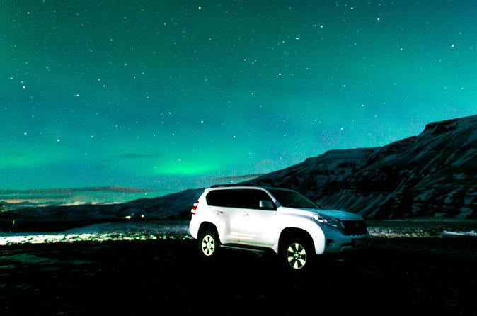 Private SUV Northern Lights Hunt from Reykjavik