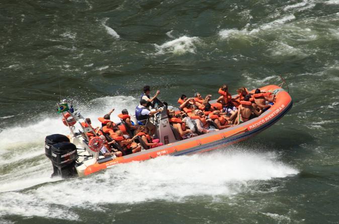 Combo de excursões pelas Cataratas do Iguaçu: Passeio selvagem em veículo off-road, Caminhada e Passeio de barco