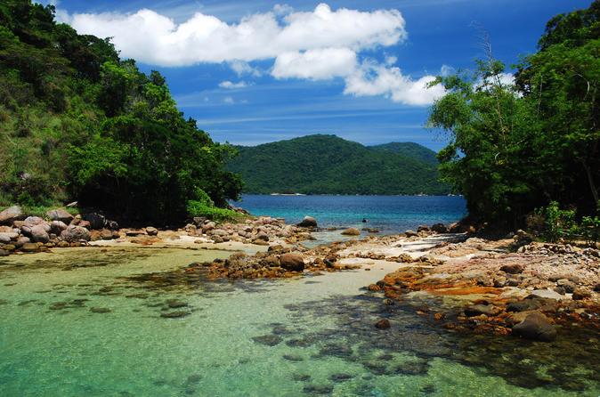 Excursão de lancha de dia inteiro pela costa norte de Ilha Grande