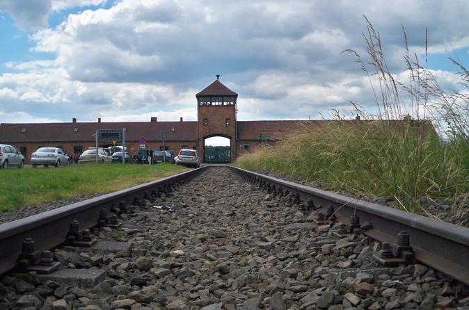 Viagem para o Museu e Memorial Auschwitz-Birkenau saindo da Cidade Antiga de Cracóvia