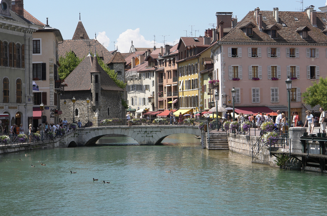 Excursão em Genebra e Annecy com cruzeiro opcional no lago de Genebra