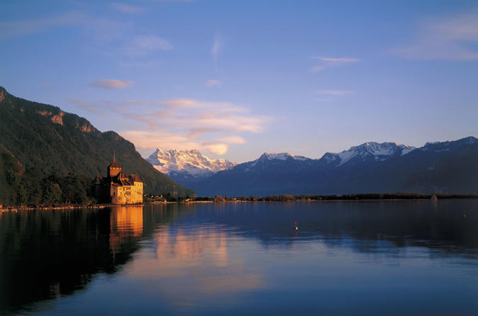 Montreux and Château de Chillon saindo de Lausanne