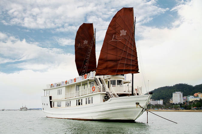 Halong bay overnight junk boat cruise in hanoi 170798
