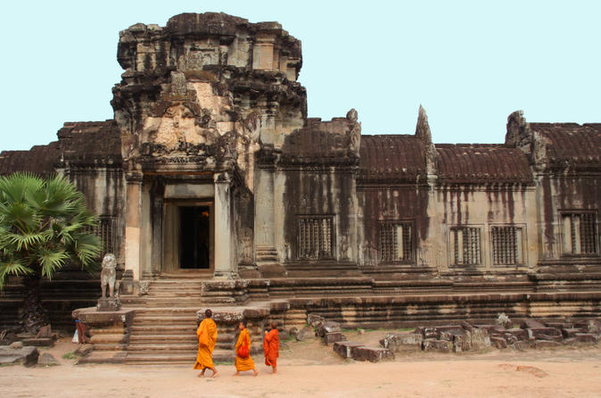 Private tour angkor wat and the royal temples full day tour from siem in siem reap 158044