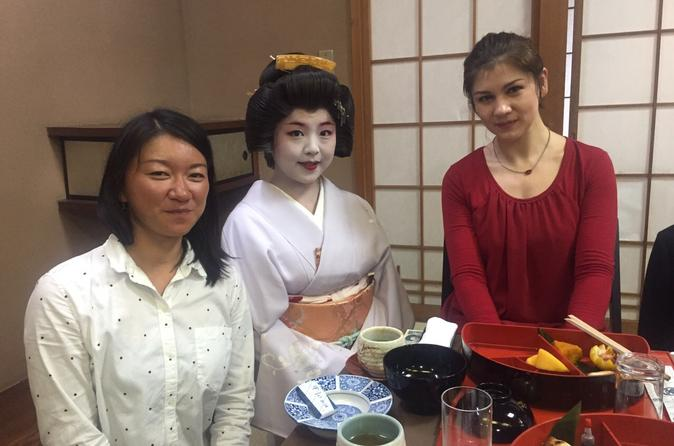 Geisha banquet experience at a former samurai s residence with in nagoya 362157
