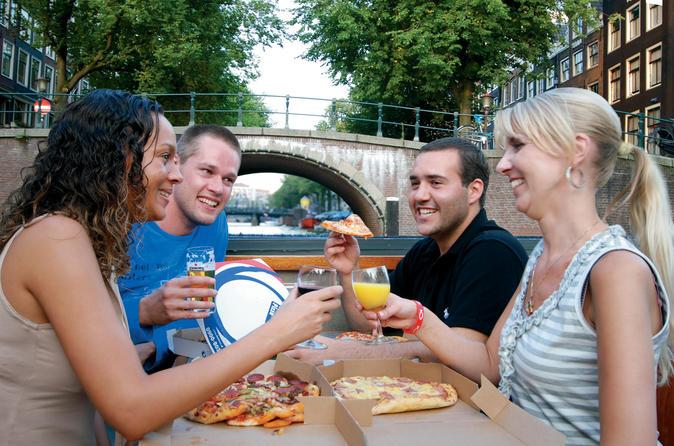 Cruzeiro com pizzas nos canais de Amsterdã incluindo bebidas