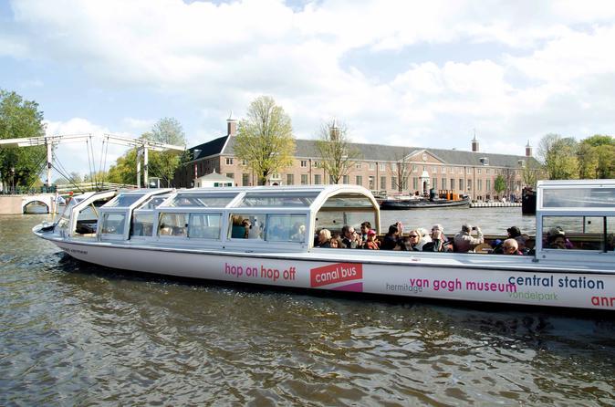 Excursão de Barco com várias paradas por Amsterdã com ingresso para Rijksmuseum