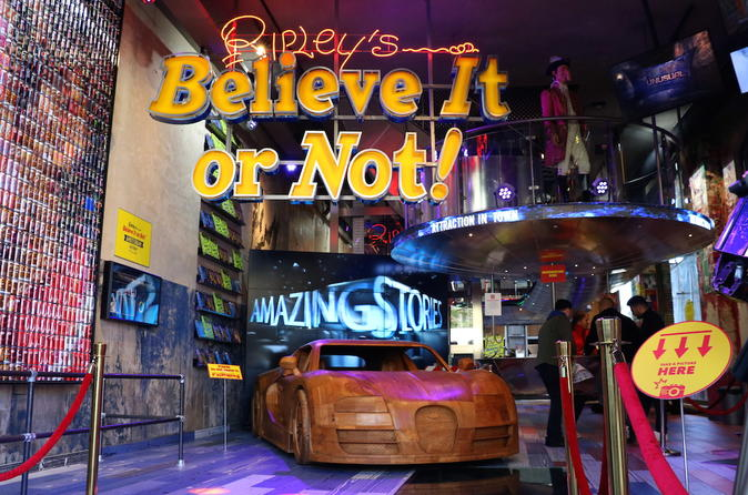 Amsterdam Super Saver: 1-Hour Canal Cruise And Ripley's Believe It Or Not!