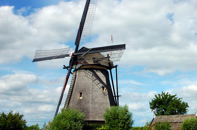 Amsterdam Super Saver: Zaanse Schans Windmills, Volendam and Marken Half-Day Tour plus Keukenhof Gardens Tour