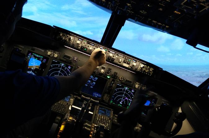 Private airliner flight simulator experience in peterborough in peterborough 270407