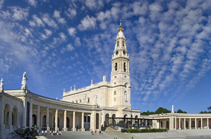Private Full-Day Tour to Fatima's Sanctuary and Pilgrimage Sites