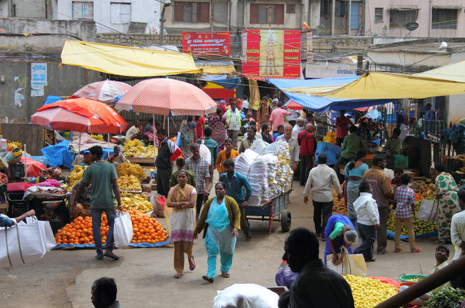 Bengaluru Pete City Market Small-Group Half-Day Walking Tour
