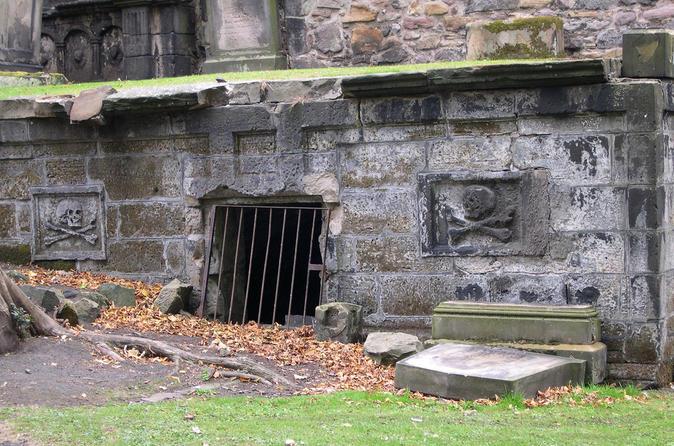 Edinburgh City Tour: Uncover Stories Of Crime And Punishment