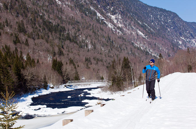 Nordic Backcountry Skiing Tour in Parc national de la Jacques-Cartier