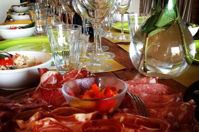 Organic winery tour and tasting with wine olive oil and lunch or in san gimignano 285449