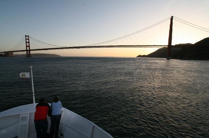 Cruzeiro ao anoitecer/por do sol pela Baía de San Francisco