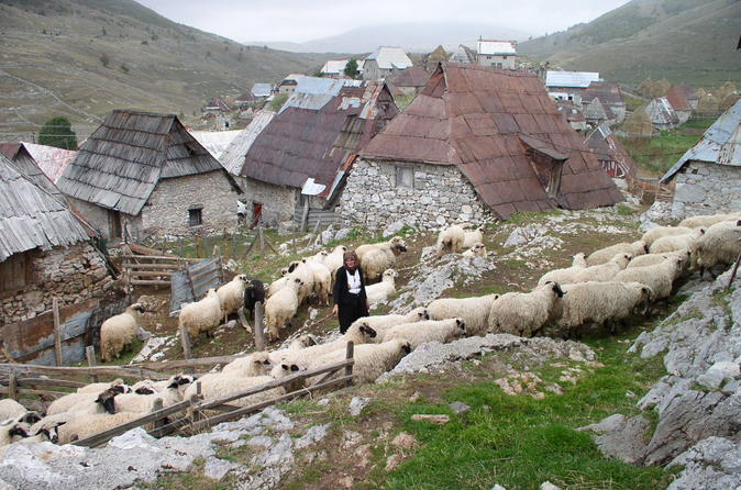 Lukomir highland village tour and hike from sarajevo in sarajevo 325744