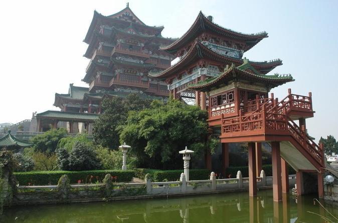 Private Nanchang Day Tour: Tengwang Pavilion, Bayi Square and Shenjing Tower