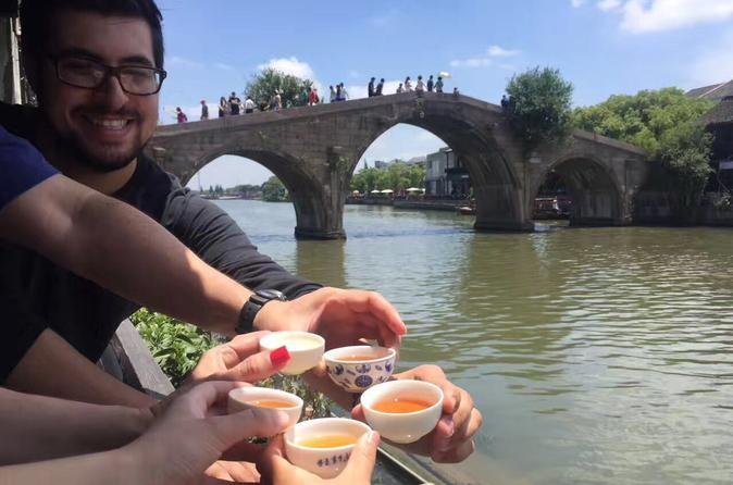 Private Half  Day Tour: Zhujiajiao Ancient Water Town with Local Delicacies