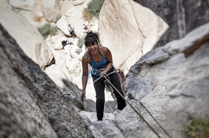 Beginner s rock climbing class in joshua tree national park in joshua tree 276732