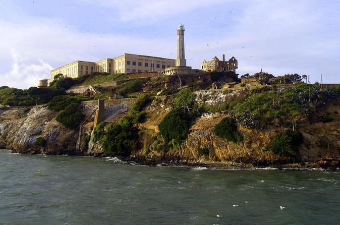 Excursão de Alcatraz mais viagem diurna a Muir Woods, sequóias gigantes e Sausalito