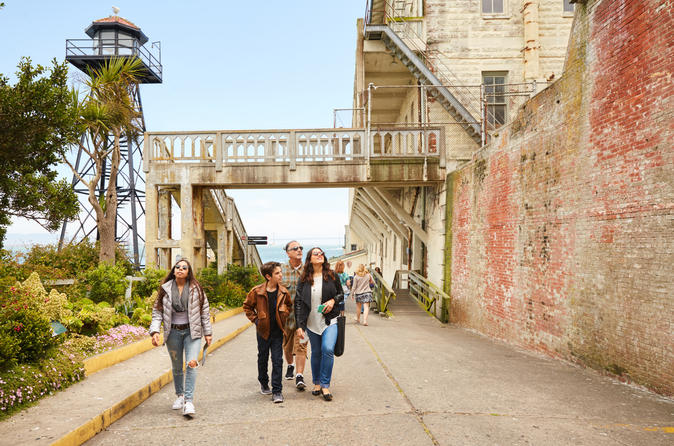 San Francisco Hop-on Hop-off and Alcatraz Combo Tour