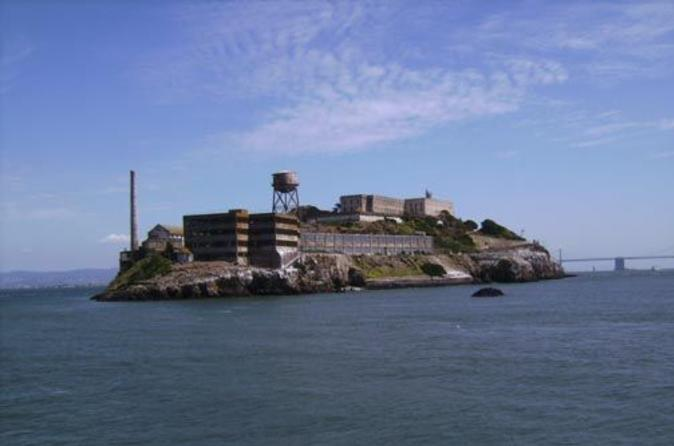 San Francisco Hop-on Hop-off Ticket and Alcatraz Tour