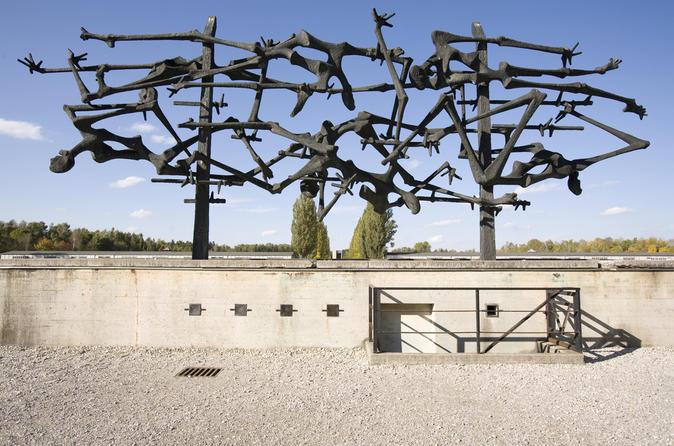 Excursão pelo Memorial do Campo de Concentração de Dachau saindo de Munique de trem
