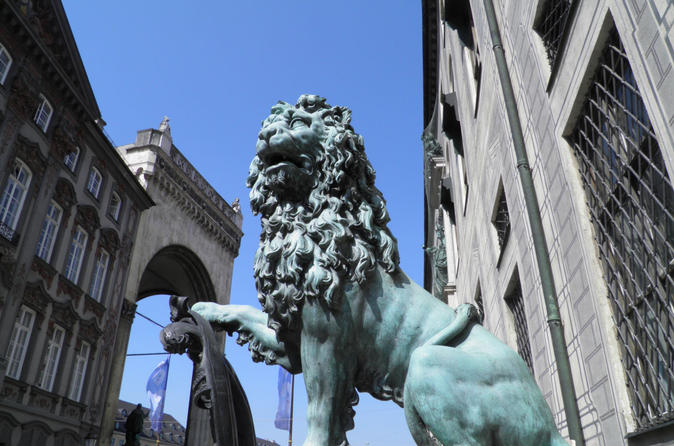 Munich's Old Town and Third Reich Private Walking Tour