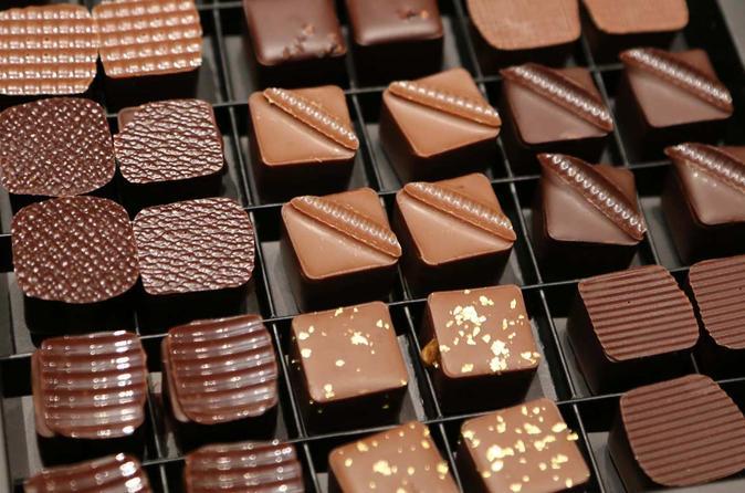 Saint-Germain Chocolate Walking Tour in Paris