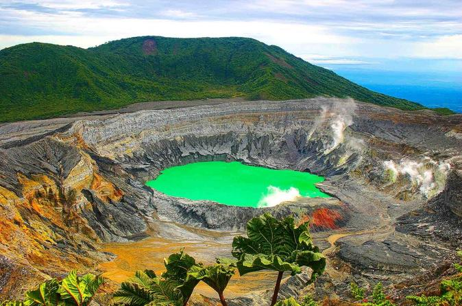 Cartago Highlights with Irazu Volcano and Hot Springs Private Tour