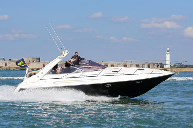 2 5 hour 40ft powerboat ride from southampton in southampton 278355