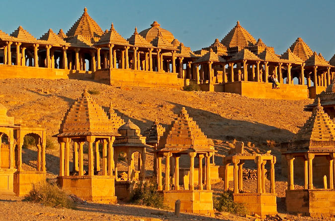 One-Way Private Transfer From Jodhpur To Jaisalmer with Private Transportation