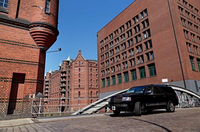 City Tour Particular para Grupos Pequenos por Hamburgo em Veículo de Luxo