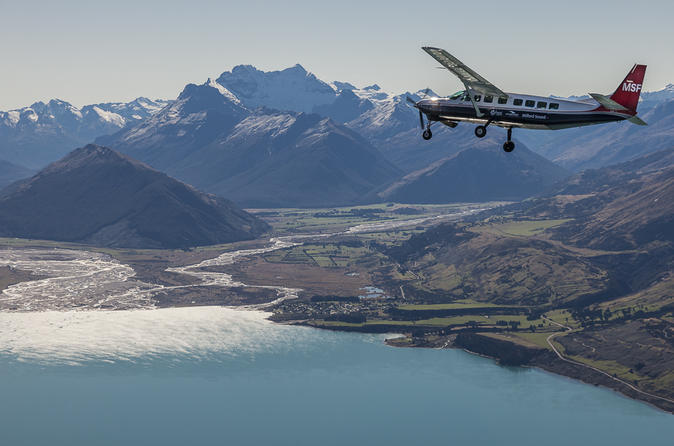 Milford Sound Coach, Cruise and Flight Sightseeing Tour from Queenstown