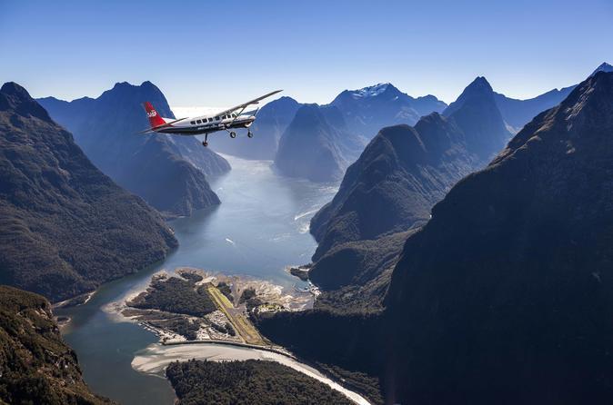 Milford Sound to Queenstown Return Scenic Flight