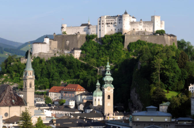 Excursão de um dia de A Noviça Rebelde, Salzburgo e Lake District saindo de Munique