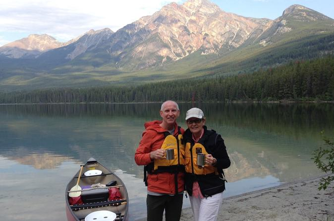 Pyramid lake canoeing adventure in jasper 290697
