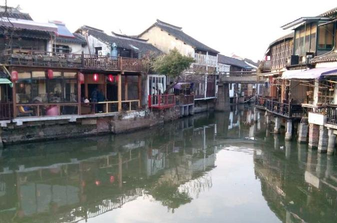 Private Zhujiajiao Tour to Water Town with Boat Ride