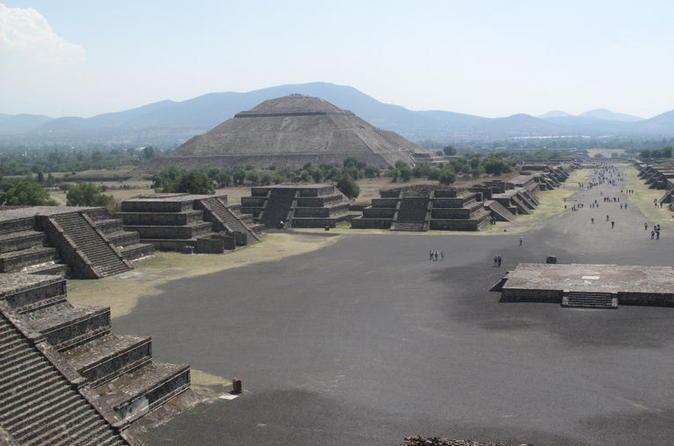 Pirâmides de Teotihuacan e Santuário de Guadalupe