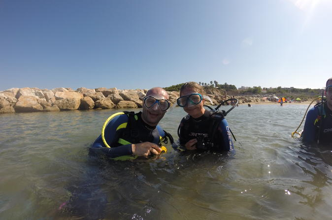 Scuba diving in tarragona s underwater park in salou 284343