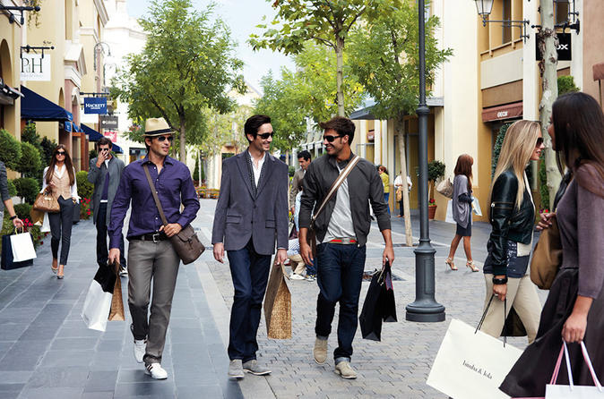 Private Tour: Madrid Outlets with Style