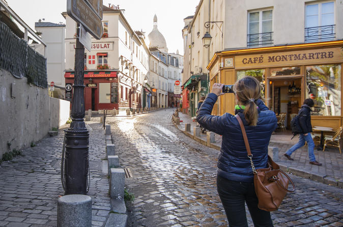 2.5-Hour Walking Tour of Magical Montmartre District