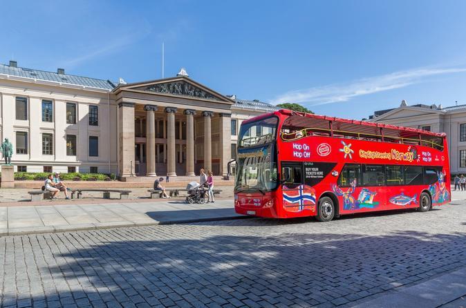 Excursão turística pela cidade de Oslo em ônibus panorâmico