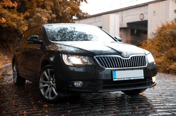 Private Transfer from Vienna to Prague