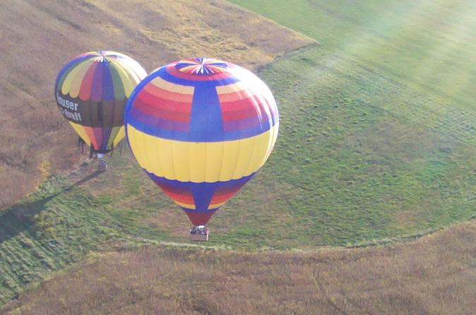 Hot air balloon ride over warren county coach class in cincinnati 285643